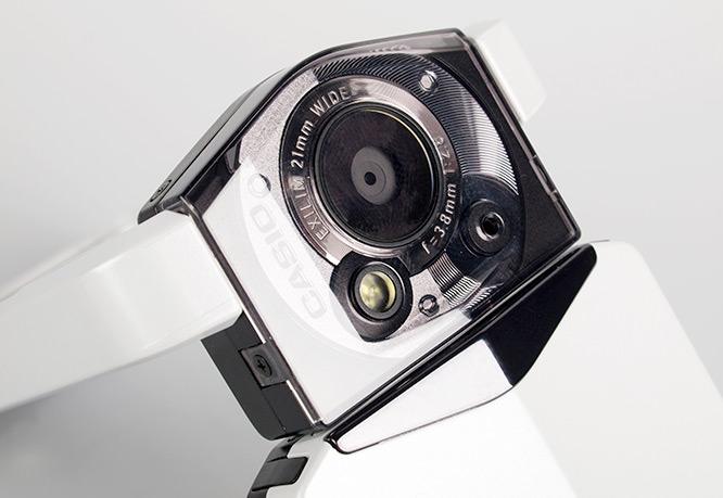 Casio EXILIM TR100 TRYX lens