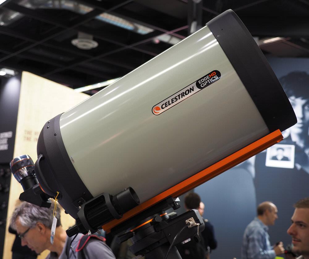 Celestron Edge Hd Optics 3910mm F11 Lens Side