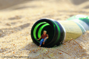 Check Out These Photos Of Miniature Figures In Amusing Real Life Scenarios