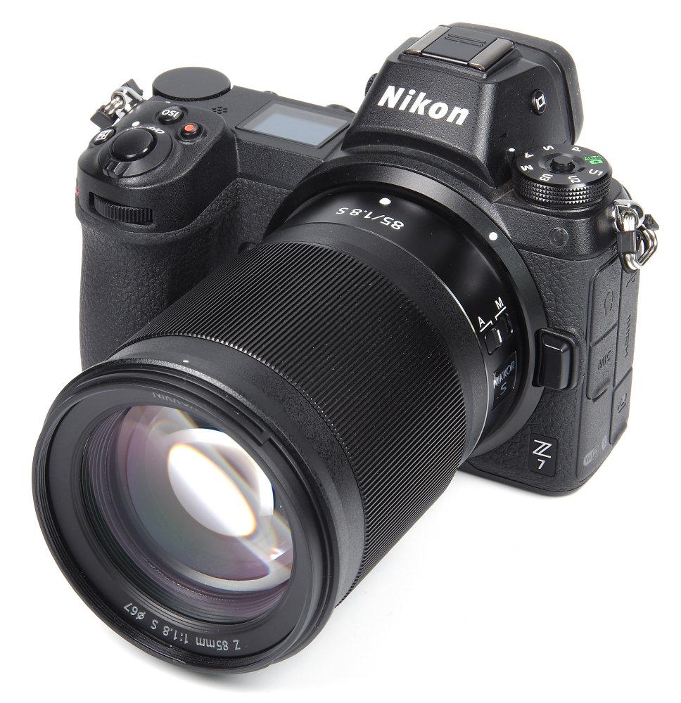 Nikkor Z 85mm F1,8S On NikonZ7 No Hood