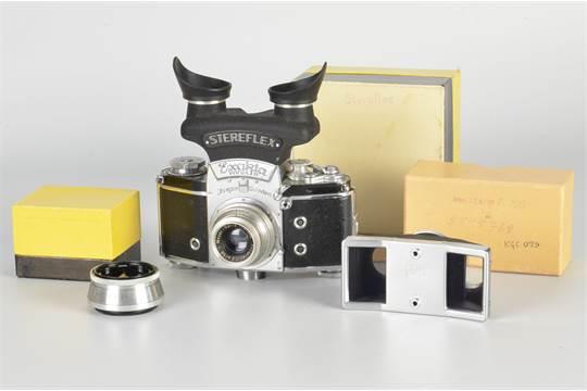 An Ihagee Exakta Varex VX Stereflex Camera
