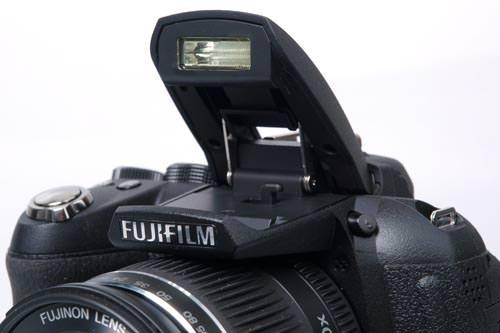 Fujifilm FinePix HS10 flash