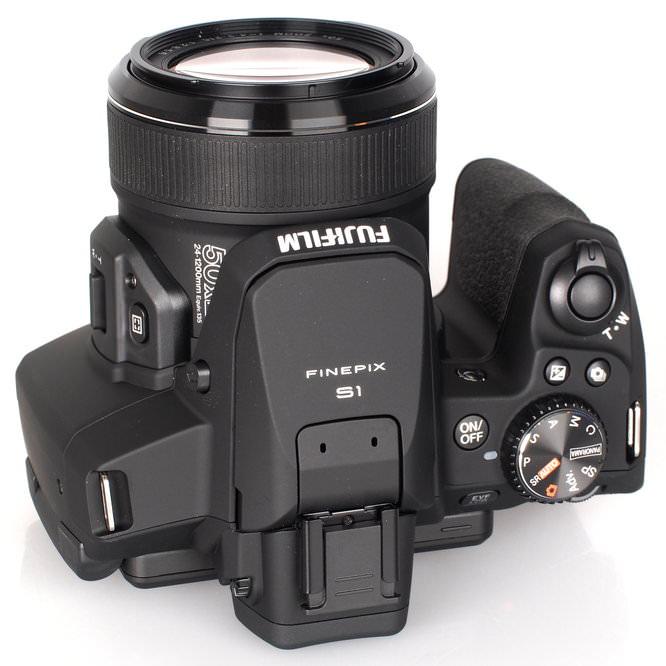 Fujifilm FinePix S1 Bridge Camera (9)