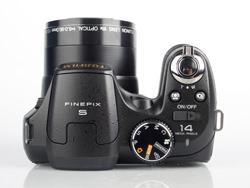 Fujifilm Finepix S2800HD top