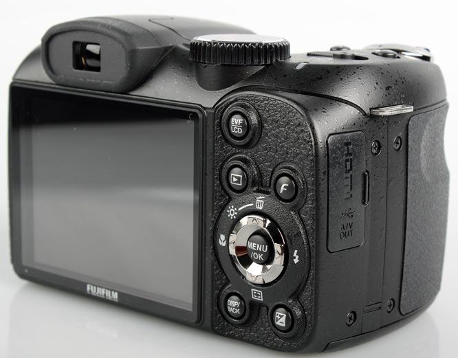 Fujifilm FinePix S2950 rear