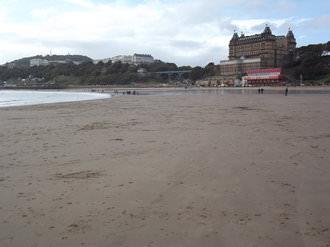 Beach   1/125 sec   f/7.1   7.6 mm   ISO 64