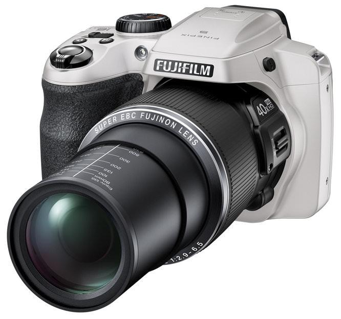 Fujifilm Finepix S8200 Zoom