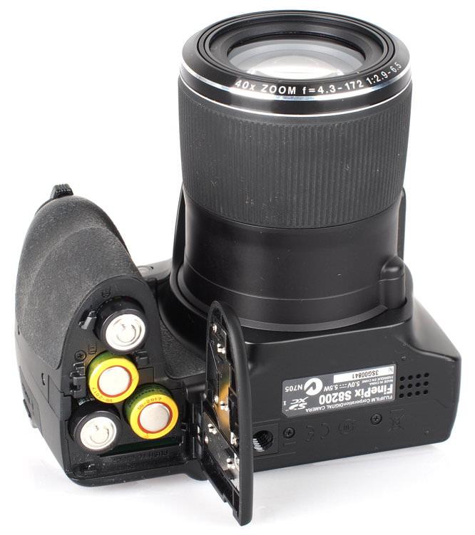 Fujifilm FinePix S8200 Black (9)