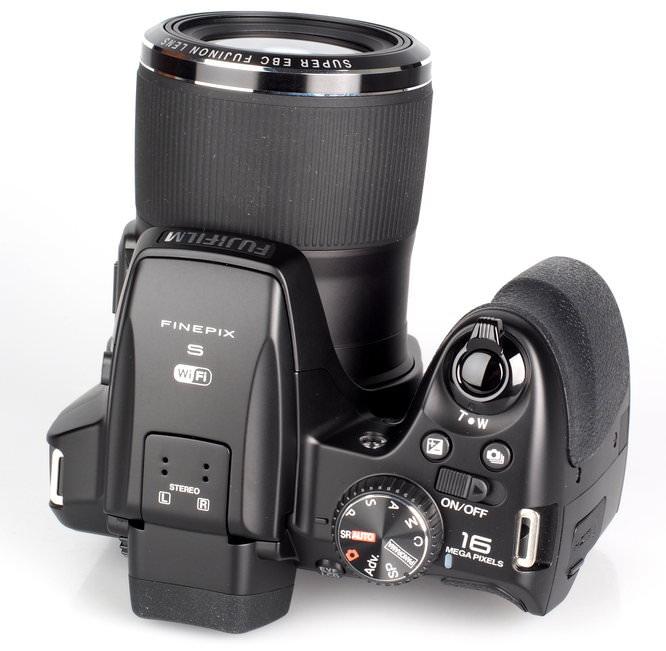 Fujifilm FinePix S8400W (8)