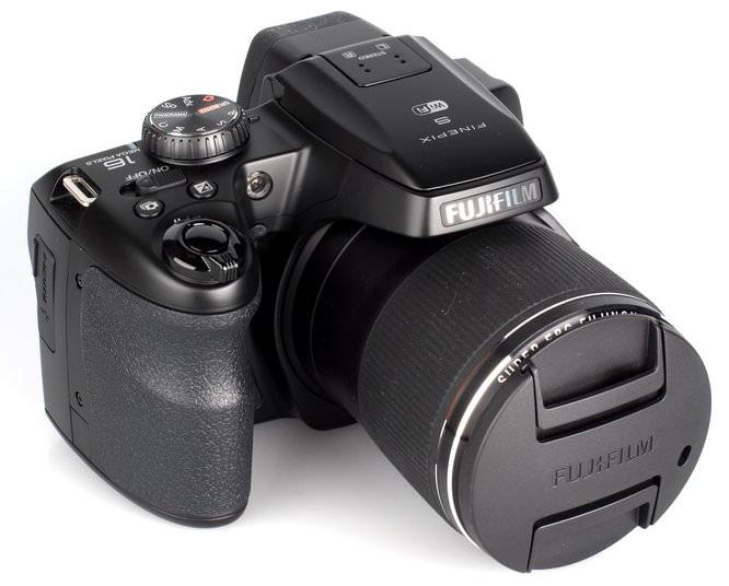 Fujifilm FinePix S8400W (9)