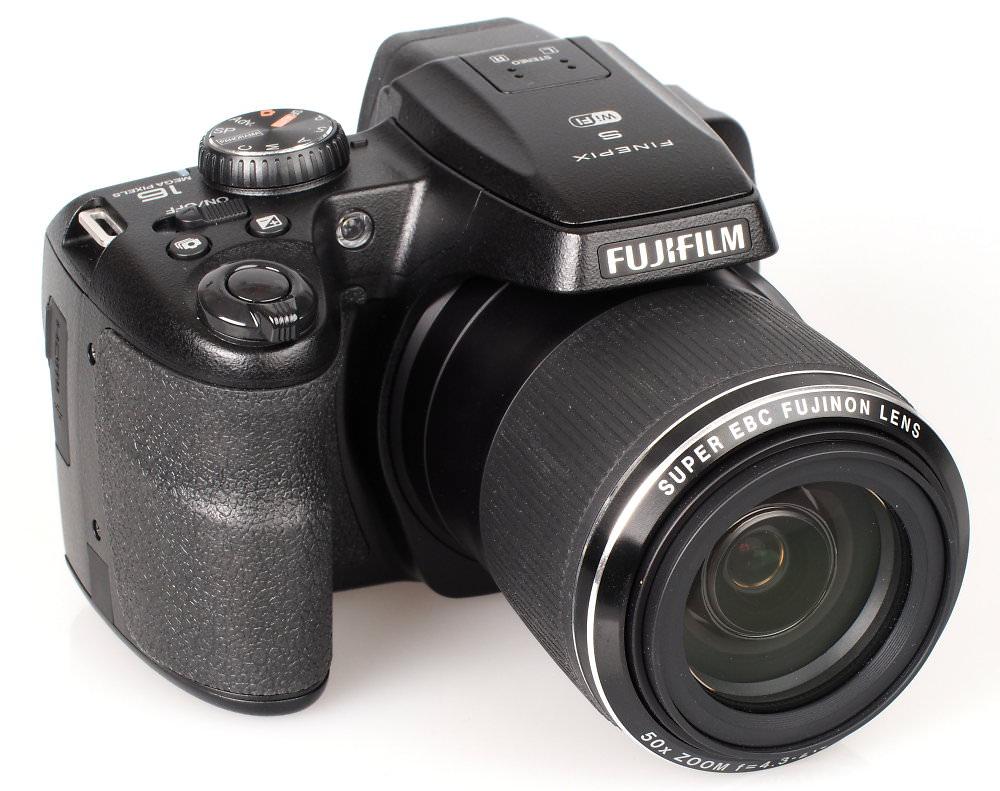 Fujifilm FinePix S9900W Black (3)