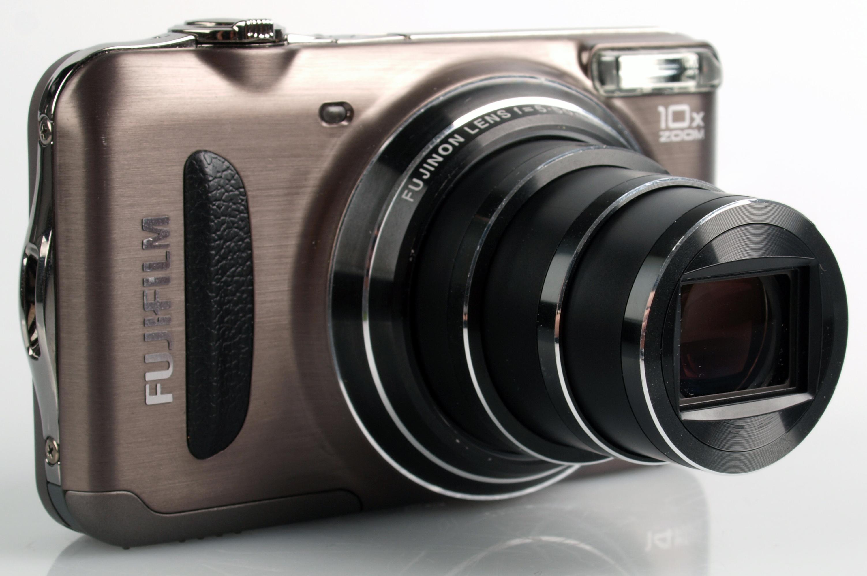 Lens extended | 1/200 sec | f/11.0 | 35.0 mm | ISO Lens extended. The Fujifilm  FinePix T200 ...