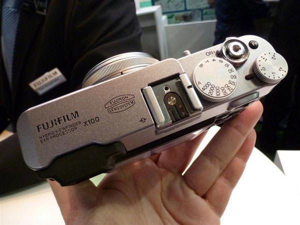 Fujifilm FinePix X100 Top