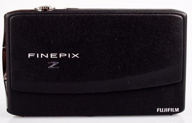 Fujifilm FinePix Z900 EXR front closed