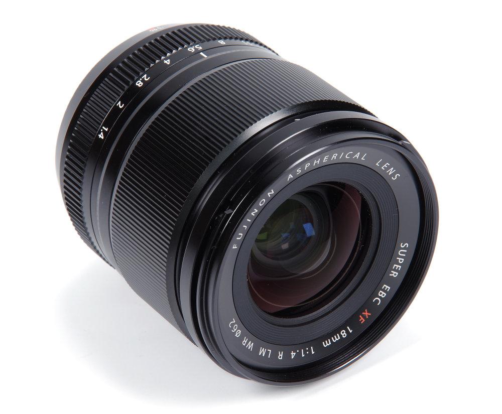 Fujifilm XF 18mm F1,4R LM WR Front Oblique View