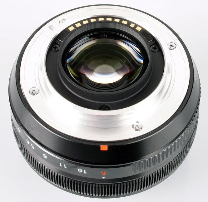 Fujifilm XF 18mm f/2.0 R rear