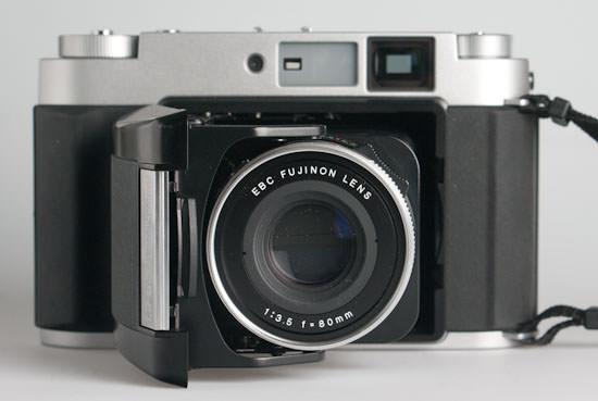 Fujifilm GF670 professional - front view