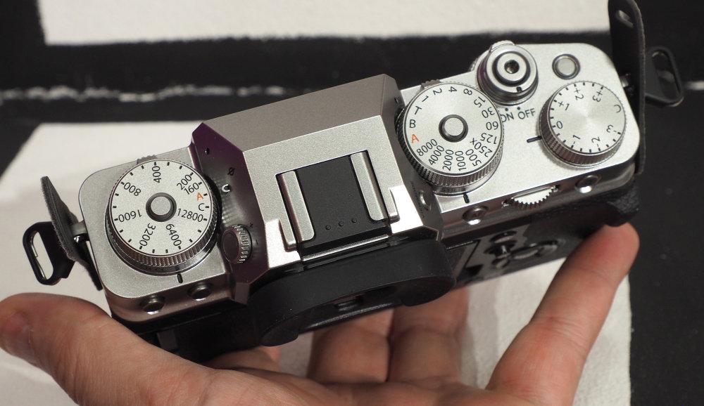 Fujifilm XT4 In Hand (4)