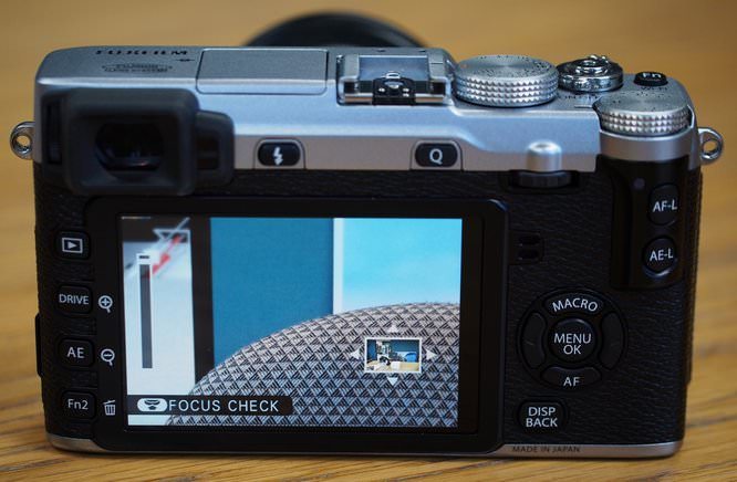 Fujifilm XE2 Hands On (11) (Custom)