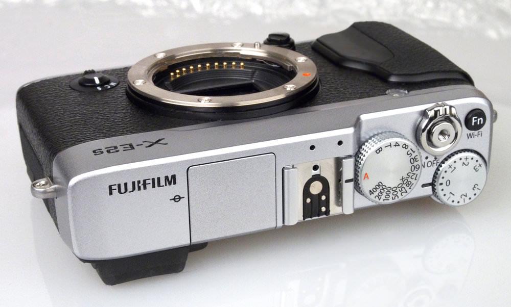 Fujifilm X E2s Silver (4)