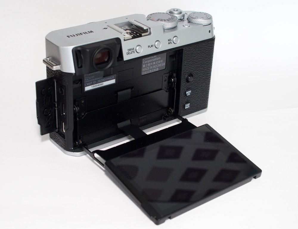 Fujifilm X E4 Silver (16)