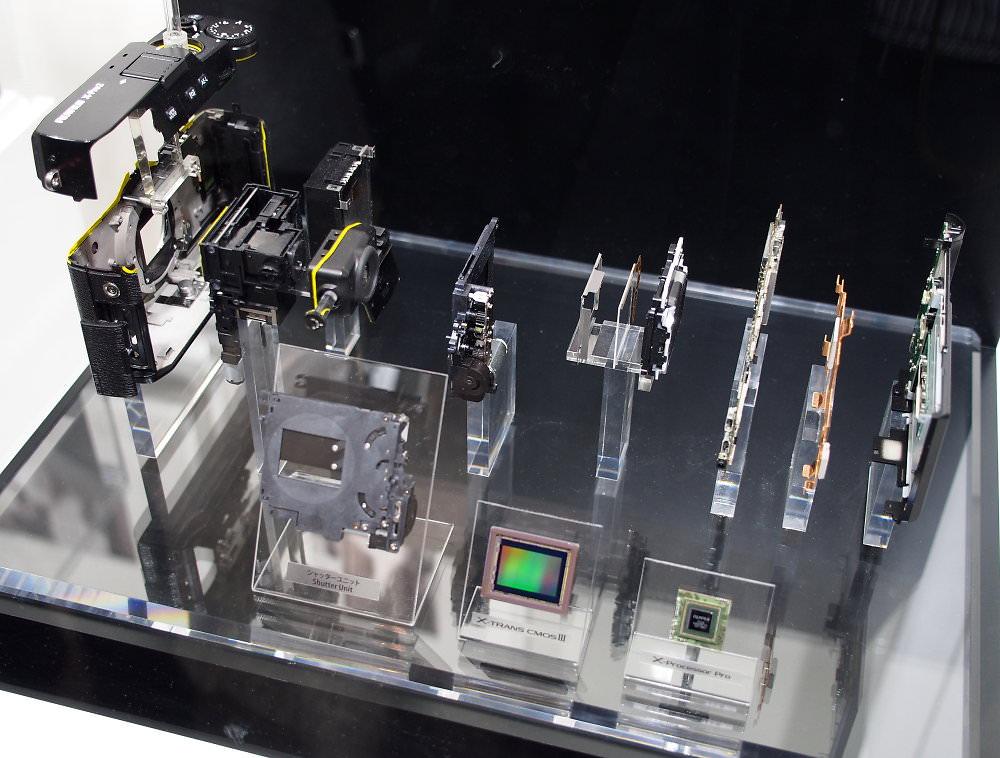 Fujifilm X Pro2 Internals (2)
