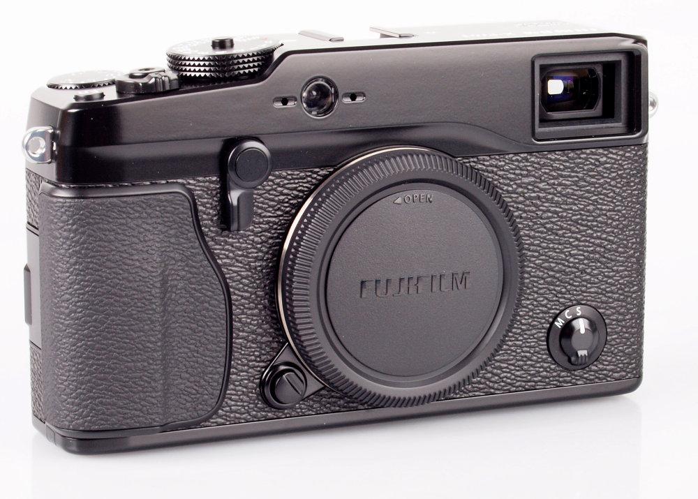 Fujifilm X-Pro 1 Angled