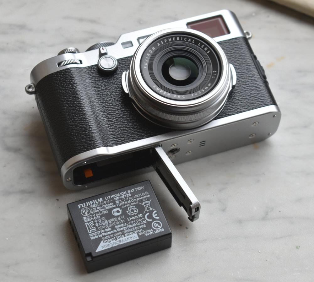 Fujifilm X100F Silver Black (1)