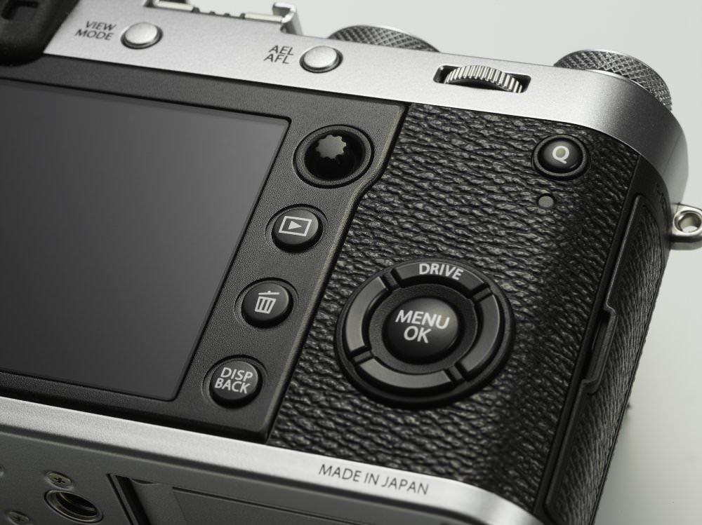 X100F Silver Image03