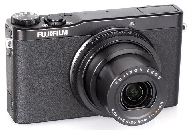Fujifilm XQ1 Black (3)