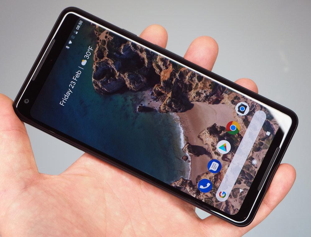 Google Pixel 2 XL In Hand (2)