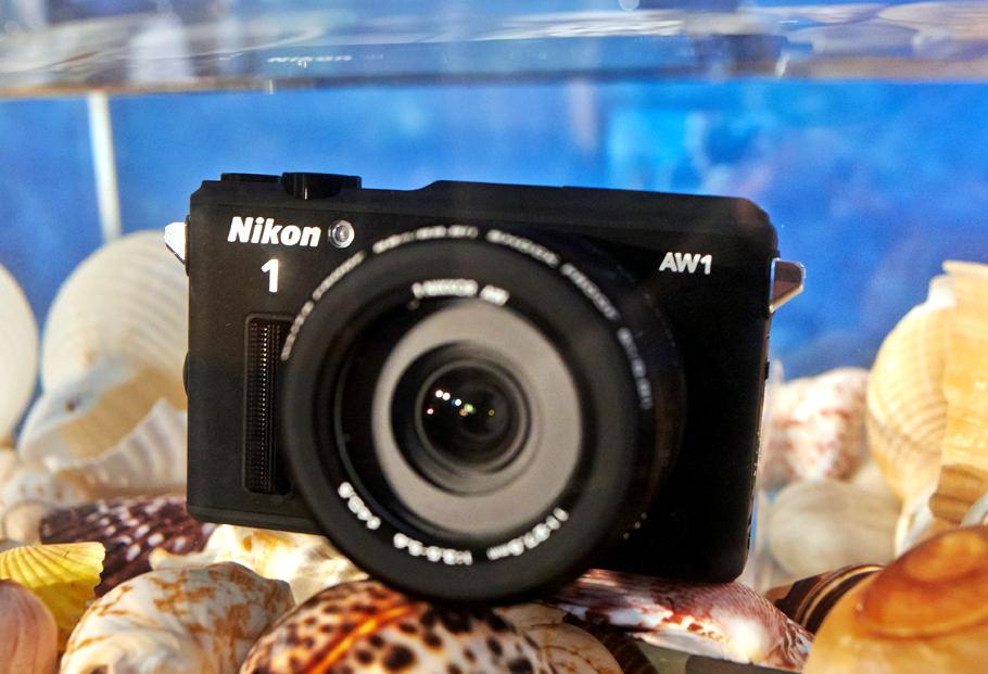 NikonAW1 65350