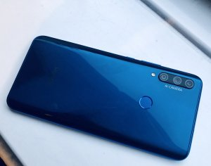 Honor 9X Smartphone - Our First Look & It's Very Eye-Catching, Plus It Has 3 Rear Lenses
