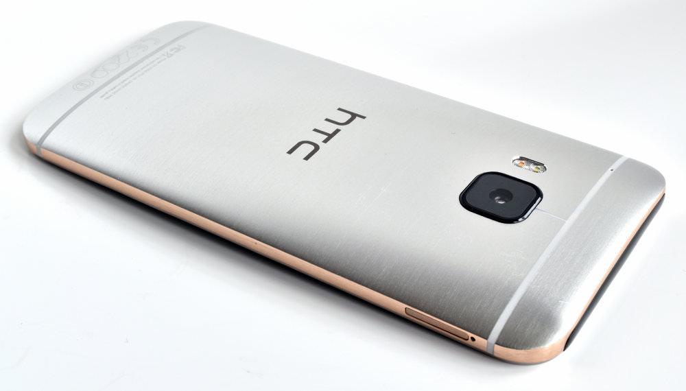 HTC One M9 04 Back2