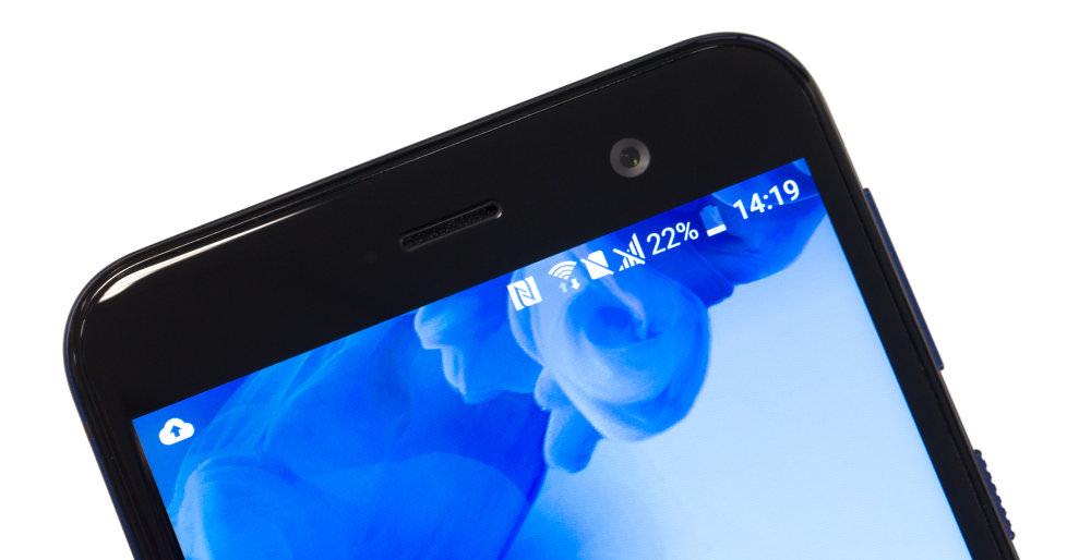 HTC U Play Front Camera
