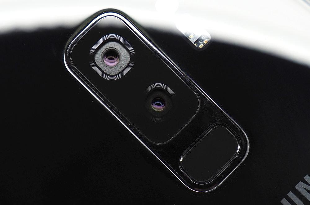 Samsung Galaxy S9plus Lens Close Up
