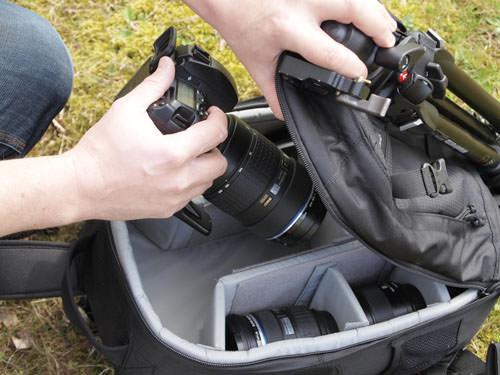 Kata 3N1 20 & Lowepro Pro Runner 300AW: Lowepro extracting the camera