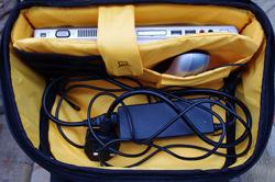 Kata OWL-272 DL D-Light Backpack laptop compartment