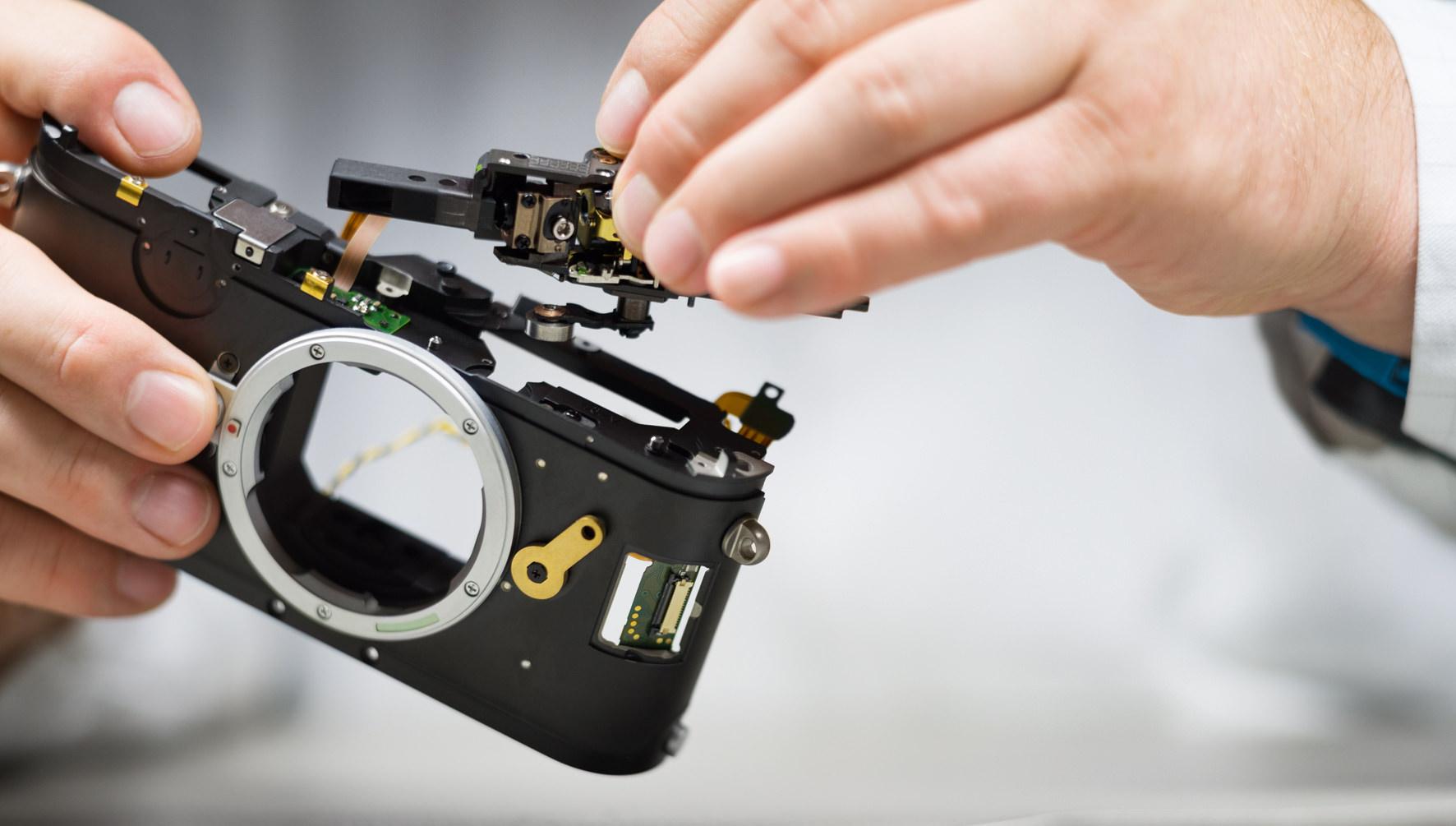 Leica M10 Slim Digital Rangefinder Announced