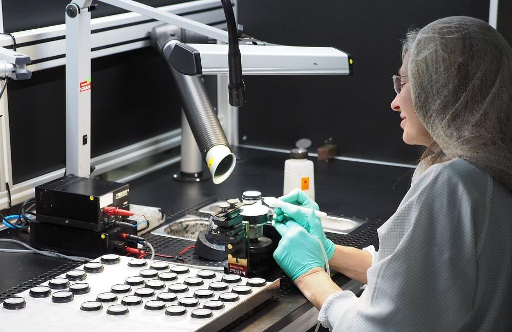 Leica Factory Lens Manufacture (3)