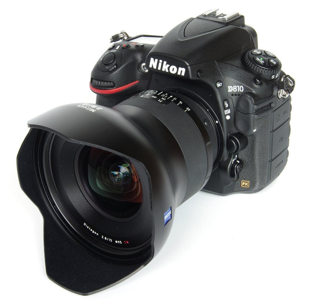 Zeiss Milvus 15mm F2,8 With Hood On Nikon D810
