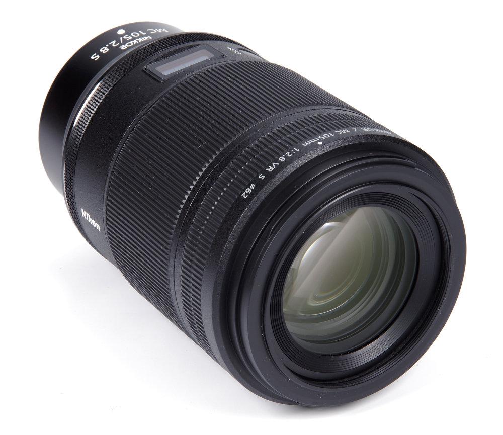 Nikkor Z Mc 105mm F2,8 Vr S Front Oblique View