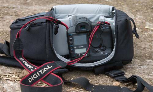 Lowepro SlingShot 202 camera bag side pocket