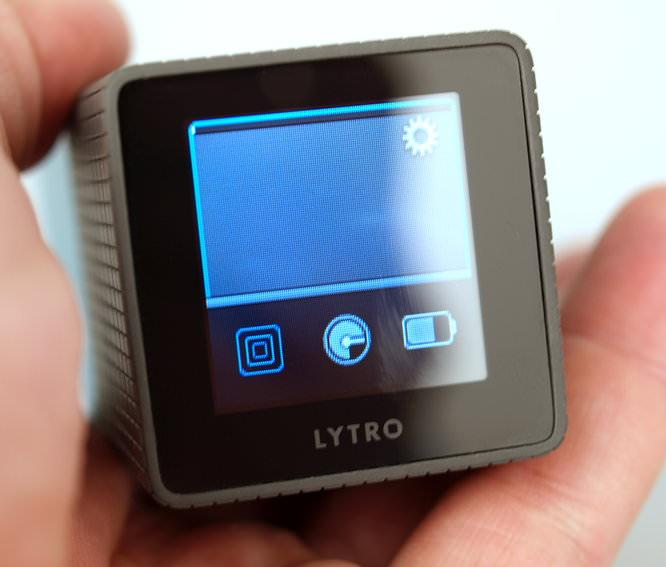 Lytro Blue Hands On (1)