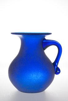 Vase Lit with speedlite from underneath and Splash Mono 40L behind