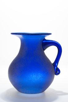 Vase Lit with speedlite from underneath and Splash Mono 40L above