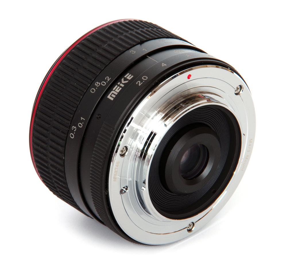 Meike 6,5mm F2 Fisheye Rear Oblique View