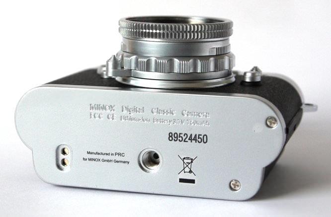 Minox Digital Classic Camera DCC 5.1 Bottom