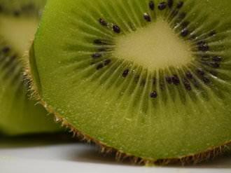Kiwi | 1/100 sec | f/2.8 | 45.0 mm | ISO 1250