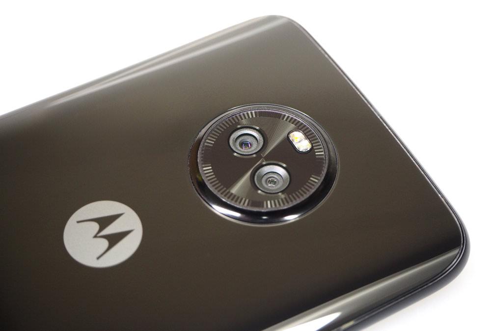 Moto X4 (7)